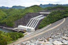 Central hidroeléctrico Imágenes de archivo libres de regalías