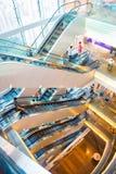 Central, Hong Kong - 21 de septiembre de 2016: escalera móvil en el pico Foto de archivo