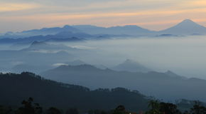 central indonesia java bergig sikt Arkivbild
