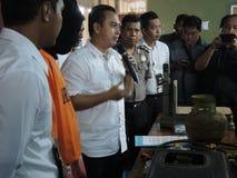 Central Java Police Unload Gas LPG stöld med injektionfunktionsläge Royaltyfria Bilder