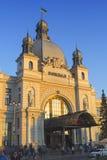 Central järnvägsstation av Lviv Royaltyfria Bilder