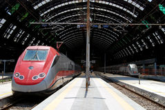 central milan järnvägstation Arkivfoto