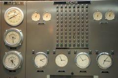 Central nuclear de la sala de mando Fotos de archivo