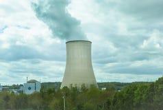 Central nuclear, industria de la energética Foto de archivo libre de regalías