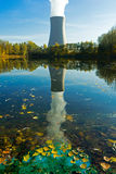 Central nuclear y aguas residuales industriales Imagen de archivo