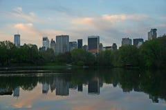 central ny park för byggnader arkivbild