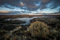 Central Oregon för Oregon ökensoluppgång Arkivfoto