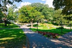 Central Park en Riga Letonia imagenes de archivo