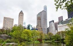 Central Park i Manhattan linia horyzontu w NYC Obraz Stock