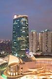 Central Park Jakarta i blåa timmar Arkivfoton