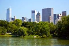 Central Park met de horizon van Manhattan Stock Afbeelding