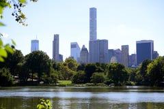 Central Park met toneelarchitectuur - de Stad van New York Stock Foto's