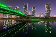 Central Park på natten Incheon, Sydkorea Fotografering för Bildbyråer