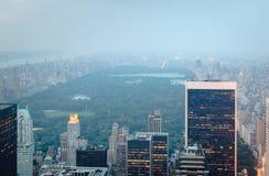 Central Park semblant du nord du Midtown, New York City images libres de droits