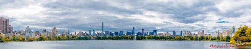 Central Park-Teich, der Süd schaut Stockbild