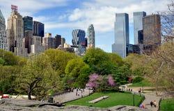 Central Park u. NYC Skyline Stockfoto