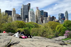 Central Park u. NYC Skyline Lizenzfreie Stockfotos