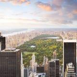 central sikt york för manhattan ny parksolnedgång Arkivbilder