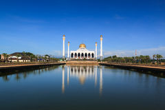 Central Songkhla Mosque. Is between the road hatyai to songkhla,Thailand Royalty Free Stock Photography