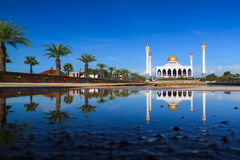 Central Songkhla Mosque. Is between the road hatyai to songkhla,Thailand Royalty Free Stock Images