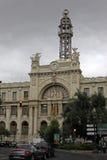 Central stolpe - fasad för kontor (Edificio de Correos y Telegrafos), Valencia, Spanien Arkivfoton