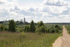 Centrala Ryssland, by av Antushkovo Kloster av nedstigningen av korset Arkivbilder