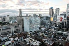 Centrala Toronto, Kanada som tas med en surrflygfast utgift royaltyfri fotografi
