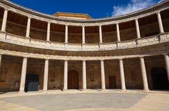 Centralborggård i den Alhambra slotten på Granada Spanien Fotografering för Bildbyråer