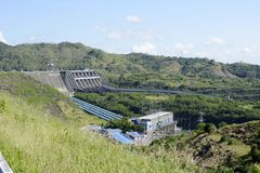 Centrale électrique de barrage électrique hydraulique de rivière de Magat dans Ifugao montagneux Photos libres de droits