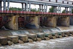 Centrale électrique hydraulique de l'électricité - dam Photos stock