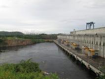 Centrale d'énergie hydroélectrique image stock