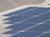 Centrale de Nevada Solar One vue de l'hélicoptère images libres de droits