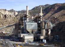 Centrale de pouvoir allumée par charbon Photo stock