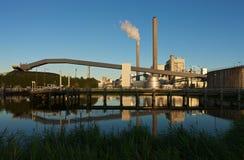 Centrale de pouvoir allumée par charbon Photo libre de droits