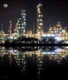Centrale de raffinerie de pétrole Photo stock