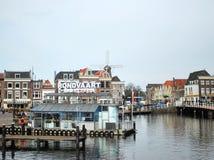 Centrale de stad van Leiden Stock Foto's