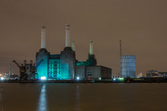 Centrale elettrica alla notte, Londra Regno Unito di Battersea Fotografie Stock Libere da Diritti