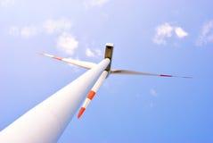 Centrale elettrica della turbina di energia di vento Immagine Stock