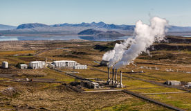 Centrale elettrica di energia geotermica Immagine Stock Libera da Diritti