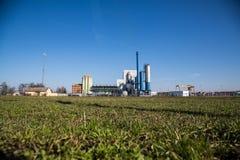 Centrale elettrica e natura Fotografia Stock