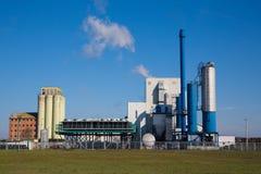 Centrale elettrica e natura Immagini Stock Libere da Diritti