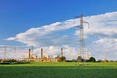 Centrale elettrica ed i raccolti Fotografia Stock Libera da Diritti