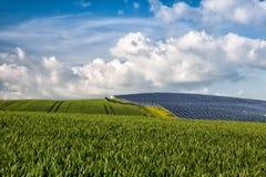 Centrale elettrica fotovoltaica Immagini Stock Libere da Diritti