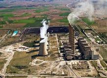 Centrale elettrica in funzione, aereo Fotografia Stock Libera da Diritti