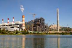 Centrale elettrica industriale con il fumaiolo, Mea Moh, Lampang, Thailan immagini stock libere da diritti