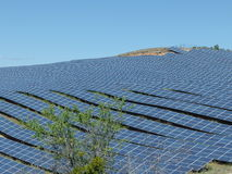 Centrale elettrica solare a sud della Francia, puimichel, Provenza Immagine Stock Libera da Diritti