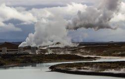 Centrale géothermique, Islande. photos stock