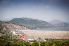Centrale hydroélectrique d'Akosombo sur la rivière de la Volte au Ghana photo stock