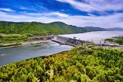 Centrale hydroélectrique dans Krasnoïarsk photographie stock