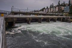 Centrale hydroélectrique de barrages et de portes Photos libres de droits